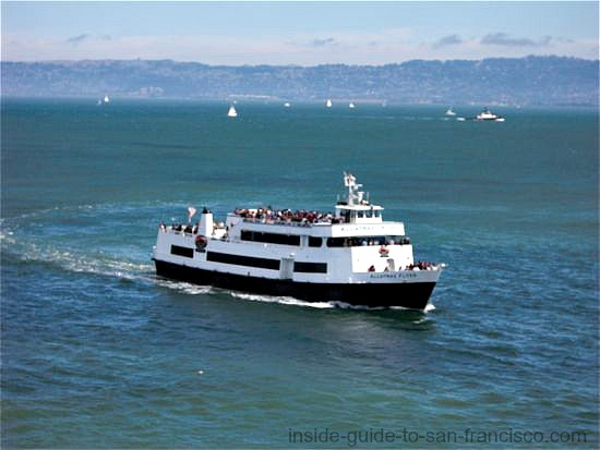 alcatraz ferry in bay