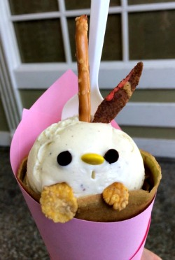 Cute rabbit-faced crepe in Japantown
