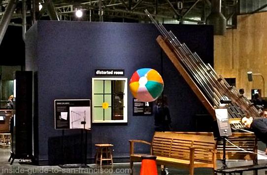Distorted room at the Exploratorium
