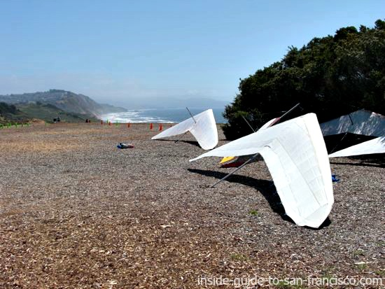 hang gliders on cliff at fort funston