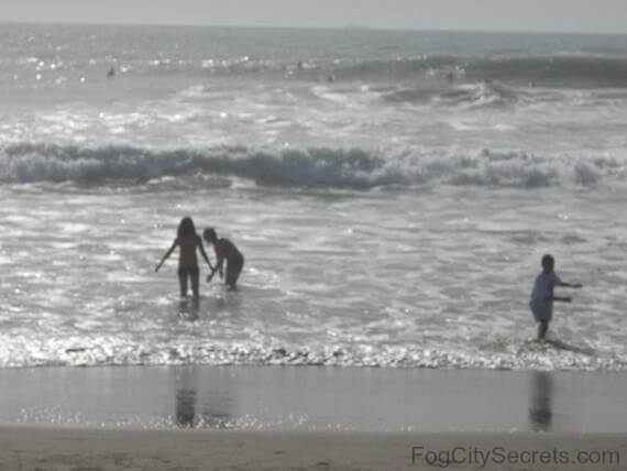 ocean beach san francisco, kids playing