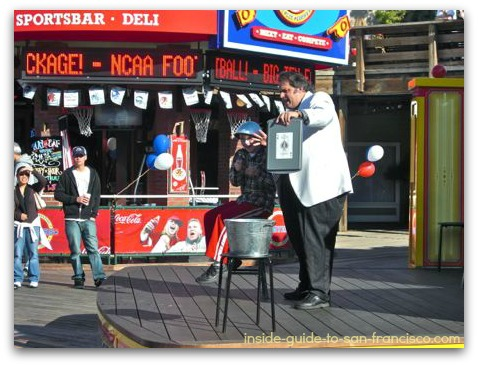 pier 39 san francisco, magic show