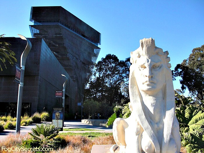 Sphynx statue outside de Young Museum