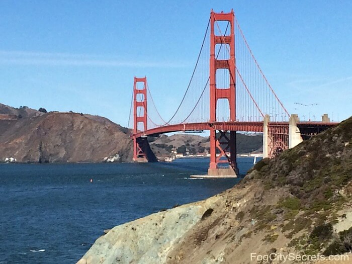 View of Golden Gate Bridge from Batteries to Bluffs trail