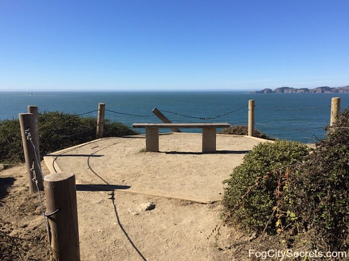 Lookout point and view on the Batteries to Bluffs trail