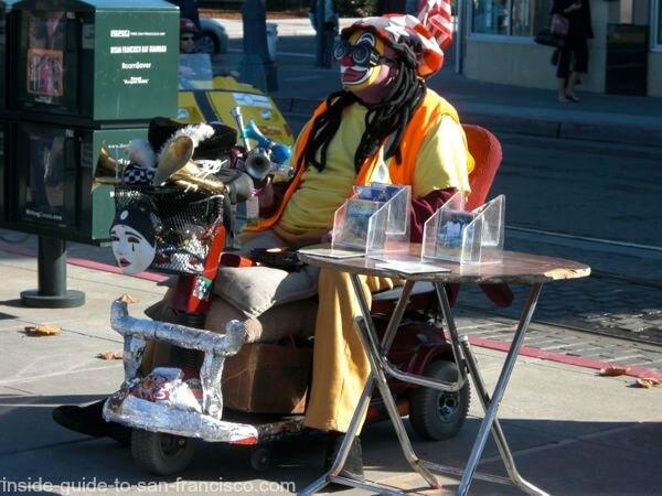 Fisherman's Wharf odd clown entertainer