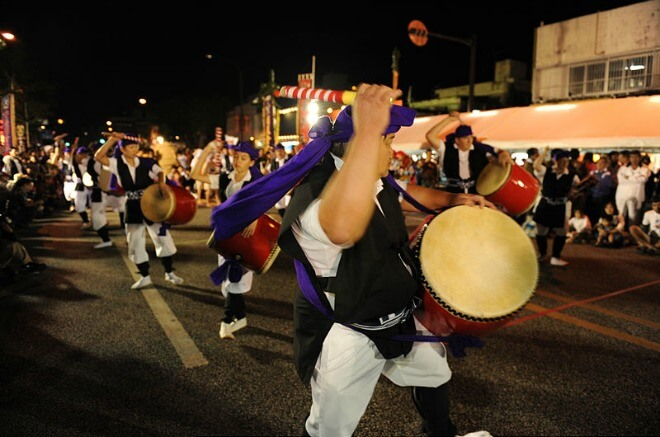 taiko drummers dancing, okinawa